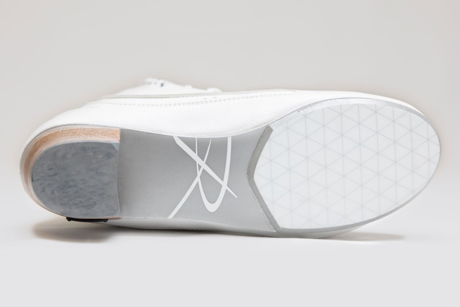 Shortened outsole design featured on the new Riedell Elara